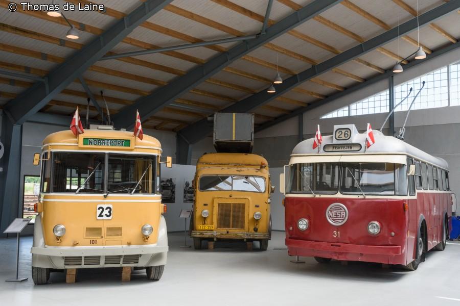 Trolleybusser i busudstillingshallen på Sporvejsmuseet Skjoldenæsholm